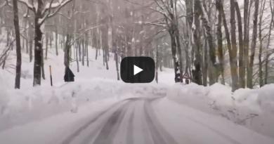 [VIDEO] I muri di neve sulla strada di Forca d'Acero (AQ) 1538m  nel PNALM – Meteo Abruzzo